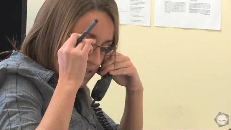 Vidéo : Collaboration - Contact téléphonique avec la direction d'une école